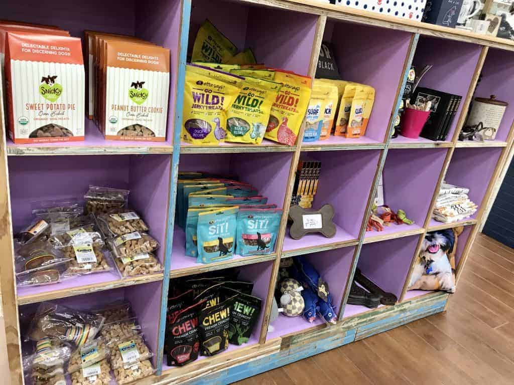 Best gifts to buy at Buc-ee's: Pet Supplies